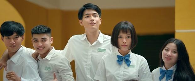 Cận cảnh những bộ tóc giả nhìn là muốn... giật ngay khỏi đầu diễn viên trên màn ảnh Việt - Ảnh 8.