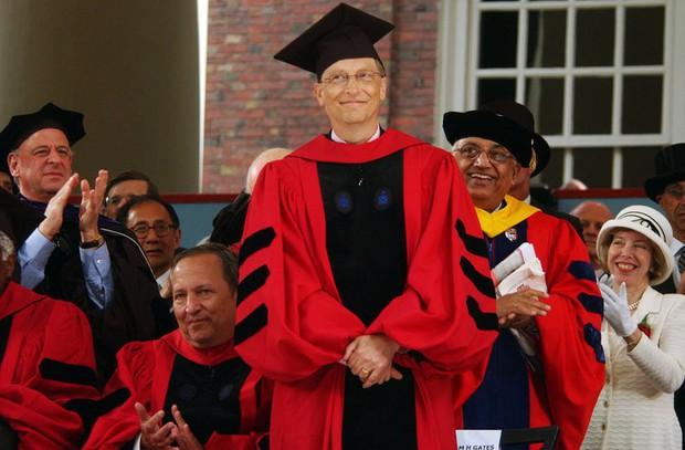 Loạt ảnh hiếm thời đi học của Bill Gates và điều nuối tiếc nhất cuộc đời ông, thứ mà rất nhiều người trẻ bây giờ mắc phải - Ảnh 8.