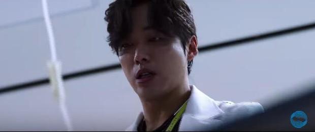 Mấy ai như Nam Goong Min: Làm bác sĩ mà đáng sợ còn hơn sát nhân tâm thần! - Ảnh 6.