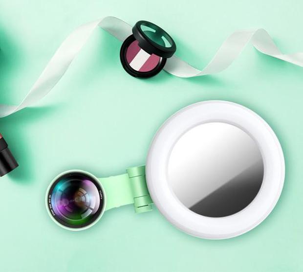 Gương selfie cảm ứng kiêm ống kính góc rộng: Chạm nhẹ là có mặt V-line, da trắng thêm vài tông - Ảnh 9.