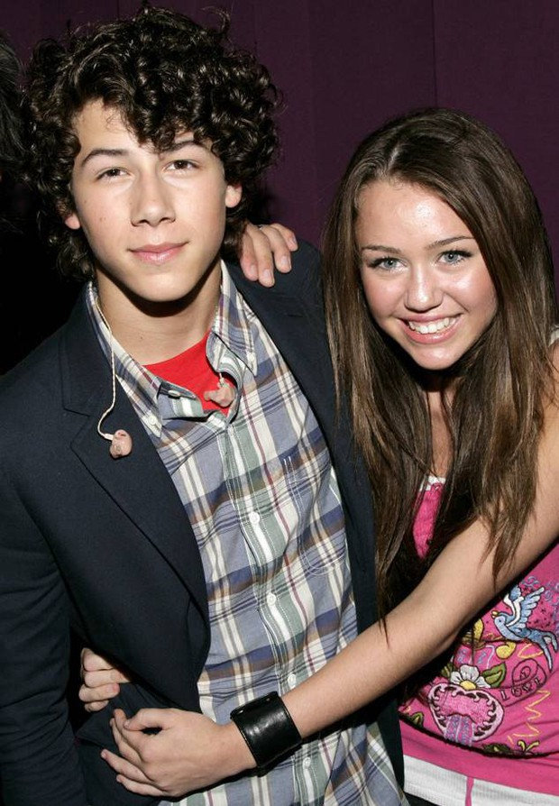 Chia tay đã lâu và đều đã lập gia đình, Nick Jonas bất ngờ say sưa nói về tình cũ Miley Cyrus - Ảnh 2.