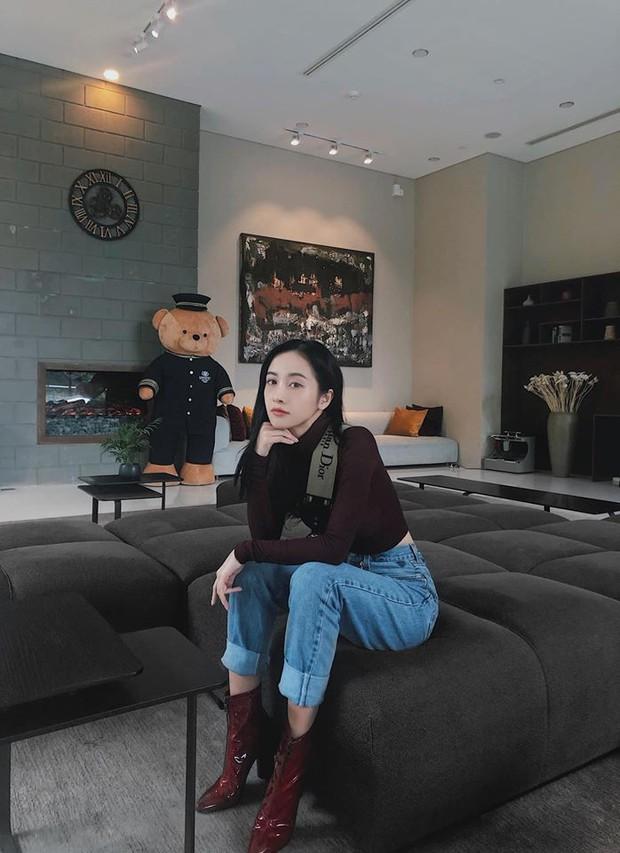 Hà Hồ phô trương ngực trần, Quỳnh Anh Shyn phải mượn áo để chinh chiến street style với dàn sao quốc tế tại Paris - Ảnh 10.