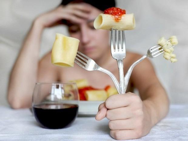 Hiệp hội Ung thư Hoa Kỳ cảnh báo: Nữ giới có nguy cơ mắc bệnh ung thư dạ dày cao nếu gặp phải những triệu chứng sau - Ảnh 2.