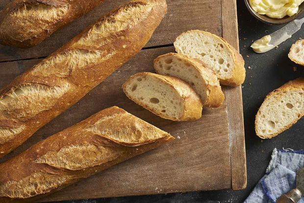 Người Pháp luôn đi bộ với bánh mì kẹp trong nách, nghe buồn cười nhưng phải xem những điều này mới hiểu - Ảnh 2.