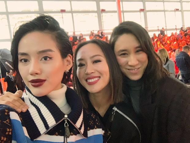 Cứ ngỡ sang Paris chỉ để... chụp ảnh cho vui, nào ngờ Khánh Linh The Face được dự hẳn show Louis Vuitton - Ảnh 5.