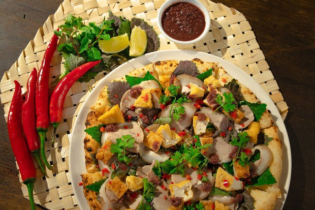 Pizza bún đậu mắm tôm: sự kết hợp khiến cộng đồng mạng nghe thôi đã muốn chao đảo - Ảnh 2.