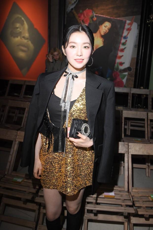 Nữ thần đẹp nhất nhà SM gây bão khi đi show: Trắng bật tông đến mức bất chấp đèn flash, dìm cả người nước ngoài - Ảnh 13.