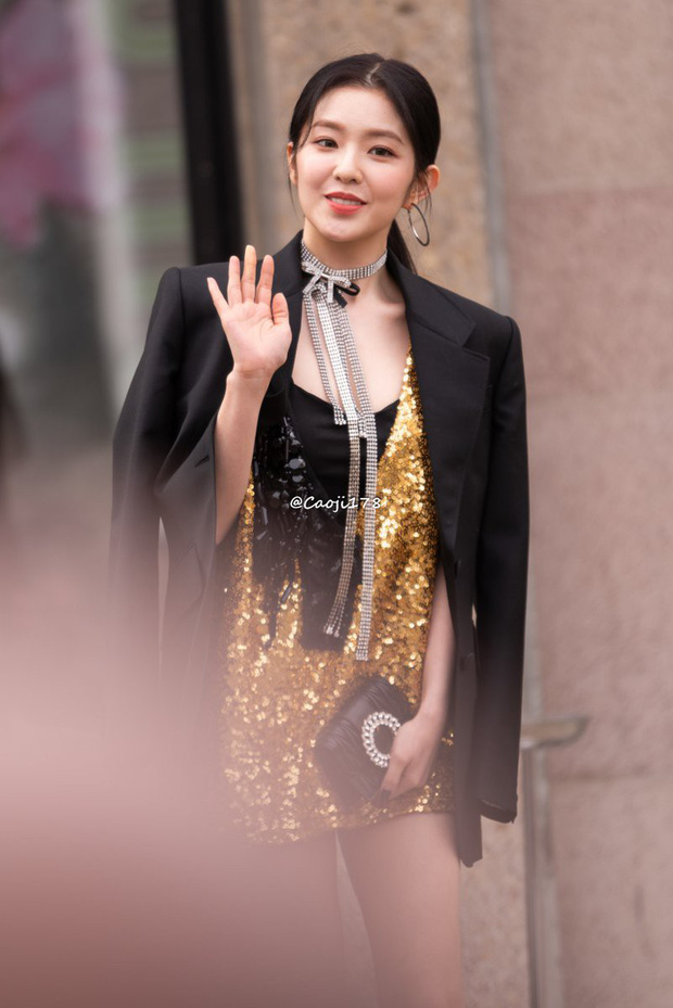 Nữ thần đẹp nhất nhà SM gây bão khi đi show: Trắng bật tông đến mức bất chấp đèn flash, dìm cả người nước ngoài - Ảnh 5.