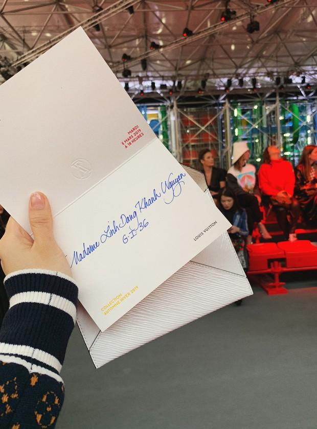 Cứ ngỡ sang Paris chỉ để... chụp ảnh cho vui, nào ngờ Khánh Linh The Face được dự hẳn show Louis Vuitton - Ảnh 4.