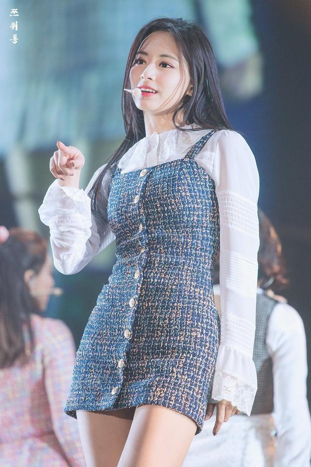 """Hội """"em út"""" quyền lực trong các girlgroup Kpop: Không mang visual đỉnh cao thì khí chất cũng """"át vía"""" các chị trên sân khấu - Ảnh 2."""
