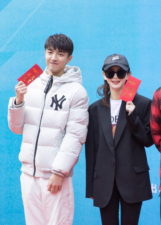 """I Hear Your Voice bản Trung khai máy, nam chính đóng vai của Lee Jong Suk nhìn tưởng """"Dạ Hoa"""" Triệu Hựu Đình! - Ảnh 4."""