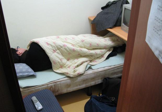 Đột nhập Goshiwon - phòng trọ hộp diêm dành cho sinh viên Hàn Quốc: Chỉ rộng 3m2, toilet bên cạnh giường ngủ - Ảnh 2.