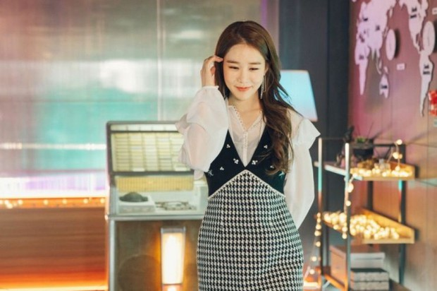 Sống như hai chị em màn ảnh Yoo In Na và Lee Na Young: Có thể đánh mất tất cả chứ đừng đánh mất bản thân mình - Ảnh 2.