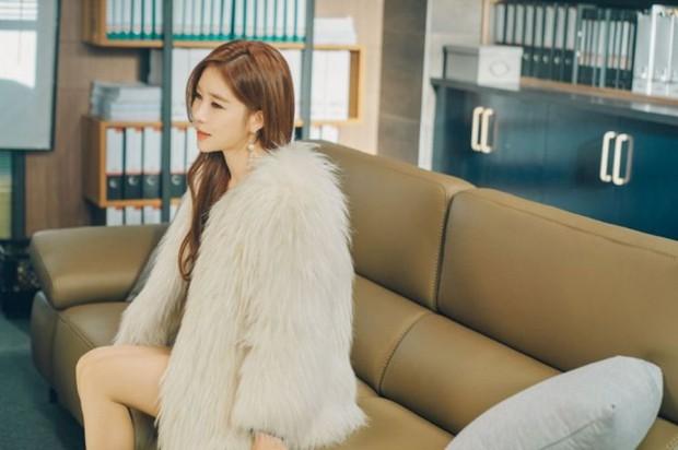 Sống như hai chị em màn ảnh Yoo In Na và Lee Na Young: Có thể đánh mất tất cả chứ đừng đánh mất bản thân mình - Ảnh 1.