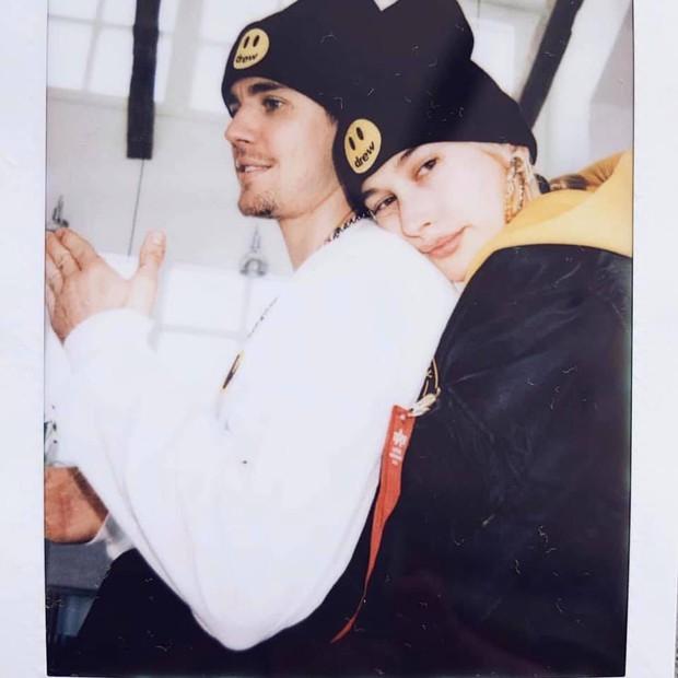 Mặc bao lời dị nghị, Justin Bieber vẫn là thanh niên cuồng vợ khi spam Instagram bằng loạt ảnh Hailey - Ảnh 7.