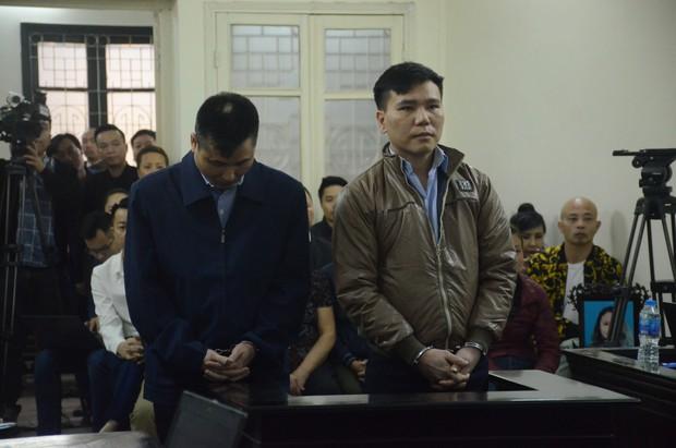 Nỗi đau và giọt nước mắt của 2 người mẹ trong phiên xét xử ca sĩ Châu Việt Cường nhét tỏi vào miệng khiến cô gái trẻ tử vong - Ảnh 1.
