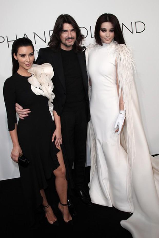 Mỹ nhân Cbiz – Hollywood trong 1 khung hình khi dự show thời trang: Phong cách khác biệt nhưng thần thái ai nhỉnh hơn? - Ảnh 3.