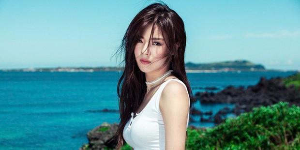 Bạn gái Lee Kwang Soo vào vai bà tám, tọc mạch nam thần 6 múi một thời Song Seung Hun trong phim mới - Ảnh 4.