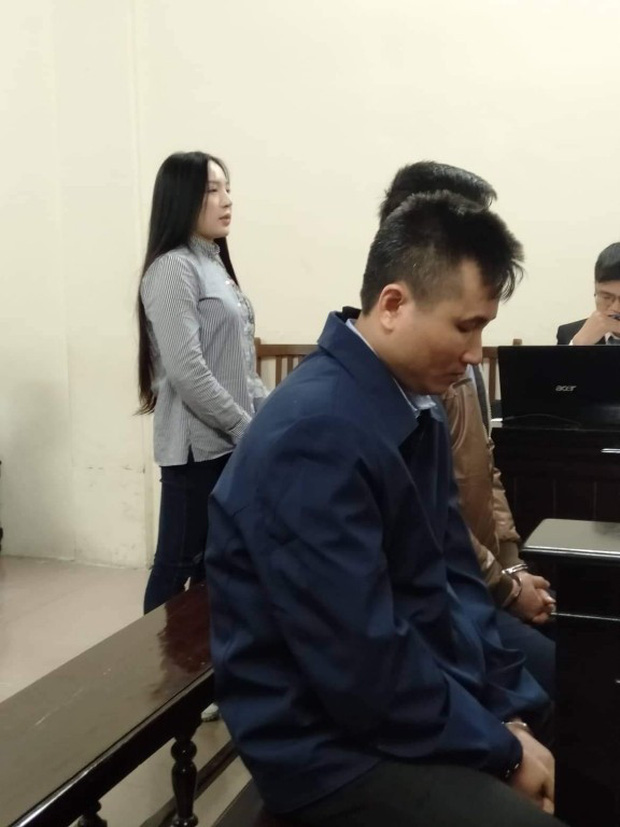 Xét xử vụ ca sĩ Châu Việt Cường nhét tỏi khiến cô gái tử vong: Bị cáo chỉ biết tỏi có thể trừ tà ma, càng ăn nhiều càng tốt... - Ảnh 4.