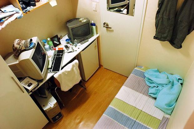 Đột nhập Goshiwon - phòng trọ hộp diêm dành cho sinh viên Hàn Quốc: Chỉ rộng 3m2, toilet bên cạnh giường ngủ - Ảnh 8.