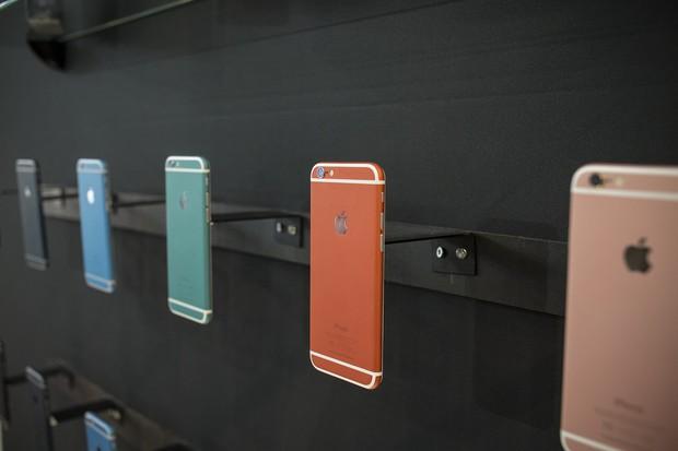 Đây là nơi bán iPhone tân trang rẻ và đẹp hơn cả hàng Apple - Ảnh 1.