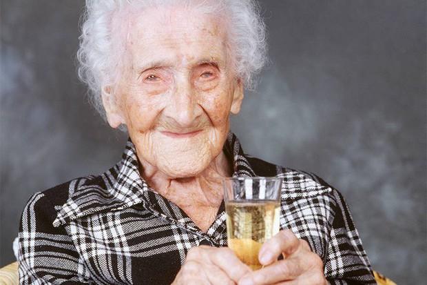 Tại sao phụ nữ luôn sống thọ hơn đàn ông? - Ảnh 1.