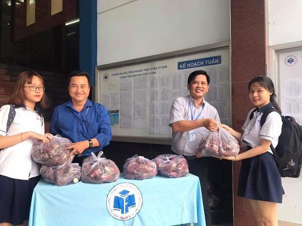 """Sinh viên thực phẩm """"giải cứu"""" hơn 10 tấn khoai lang - Ảnh 4."""