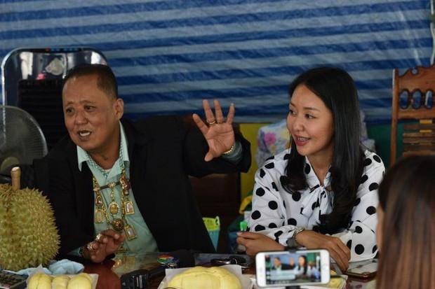 Chủ vựa sầu riêng Thái Lan hủy kế hoạch chi 7 tỷ đồng kén rể, nói mình sắp chết vì điện thoại liên tục reo - Ảnh 4.
