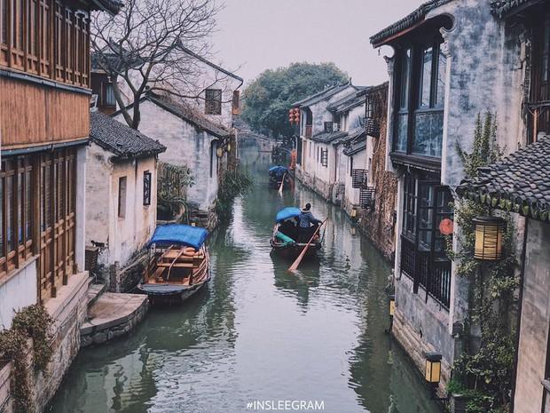 Ngẩn ngơ trước vẻ đẹp thị trấn cổ Châu Trang, nơi được mệnh danh là Venice Phương Đông - Ảnh 1.