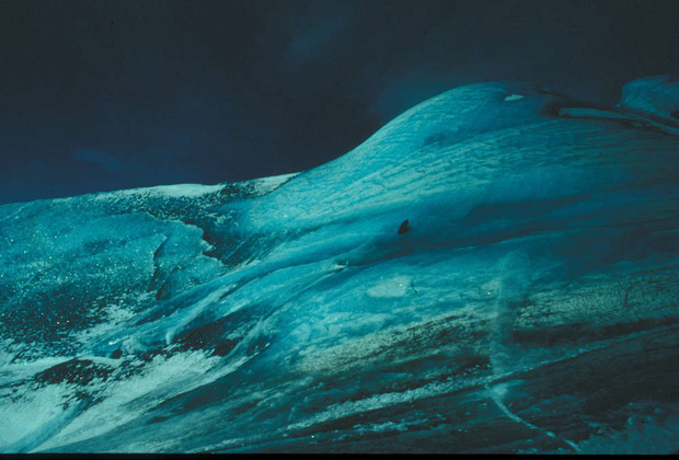 Bí ẩn tảng băng màu xanh ngọc nổi tiếng tại Nam Cực sắp có lời giải - Ảnh 2.