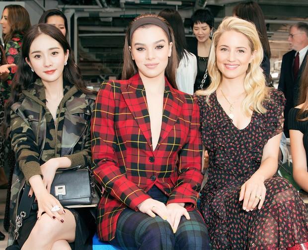 Mỹ nhân Cbiz – Hollywood trong 1 khung hình khi dự show thời trang: Phong cách khác biệt nhưng thần thái ai nhỉnh hơn? - Ảnh 6.