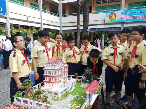 Học sinh tự thiết kế mô hình biệt thự đẹp như mơ - Ảnh 2.