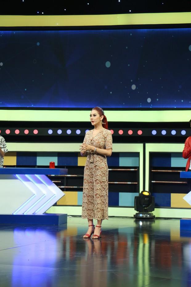 Thua gameshow, Lâm Khánh Chi ấm ức đổ lỗi cho đội bạn chơi gian - Ảnh 2.