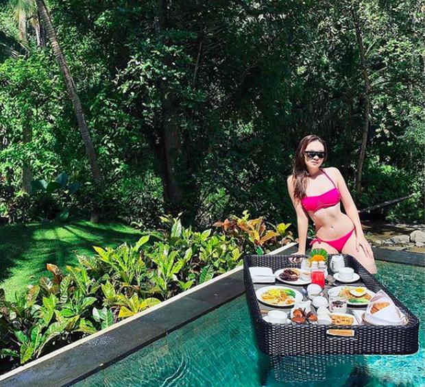 Không cần đến hè, hot girl Việt giờ diện bikini khoe dáng quanh năm: Không có sexy nhất, chỉ có sexy hơn! - Ảnh 27.