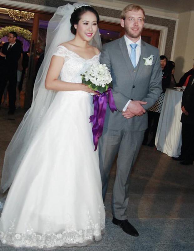 Hoa hậu gia thế khủng nhất Việt Nam - Ngô Phương Lan đã hạ sinh con đầu lòng sau 6 năm đám cưới - Ảnh 2.