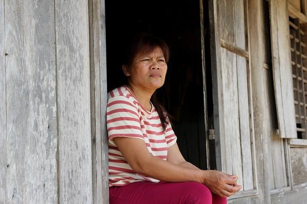 Giọt nước mắt hạnh phúc của người phụ nữ trở về sau 23 năm bị bán sang Trung Quốc - Ảnh 6.
