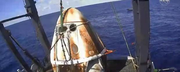 Tàu Long Đội do SpaceX ft. NASA đã hạ cánh: thê thảm nhưng an toàn, mở ra bước ngoặt lớn - Ảnh 2.