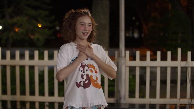 Chán làm cameo trong Friend Zone, Chi Pu học chiêu làm liều: Cướp luôn bạn thân trong Mối Tình Đầu Của Tôi - Ảnh 3.