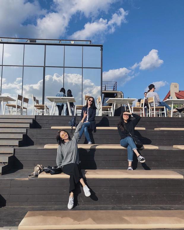 Tiệm cà phê một thời của G-Dragon đang là thánh địa sống ảo hot nhất đảo Jeju, Chi Pu và Changmakeup cũng vừa check-in ở đây - Ảnh 12.