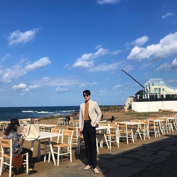 Tiệm cà phê một thời của G-Dragon đang là thánh địa sống ảo hot nhất đảo Jeju, Chi Pu và Changmakeup cũng vừa check-in ở đây - Ảnh 17.