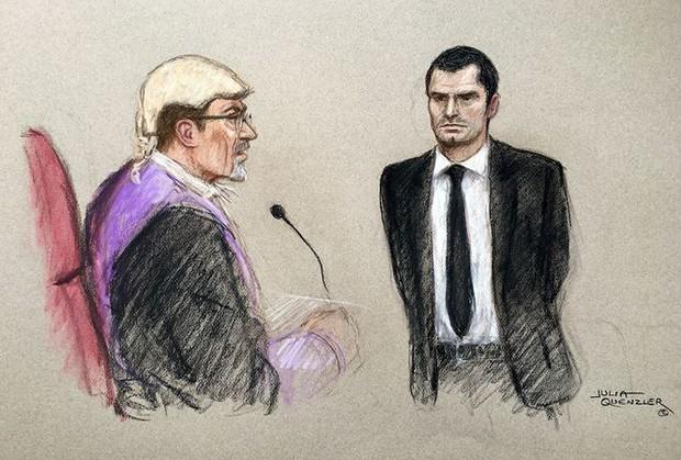Ra tù, ác mộng vẫn tiếp diễn với kẻ ấu dâm Adam Johnson - Ảnh 3.