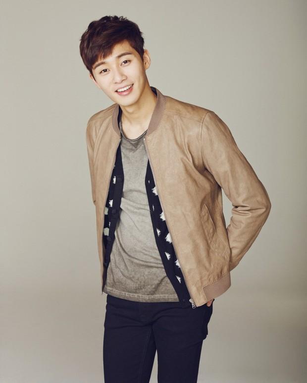 Tổng tài đẹp trai Park Seo Joon sang Việt Nam quay phim vào tháng 6 tới. Tin vịt hay tin xác thực? - Ảnh 2.