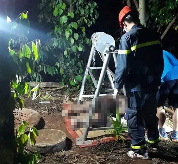 Tá hỏa phát hiện thi thể người đàn ông dưới giếng - Ảnh 1.