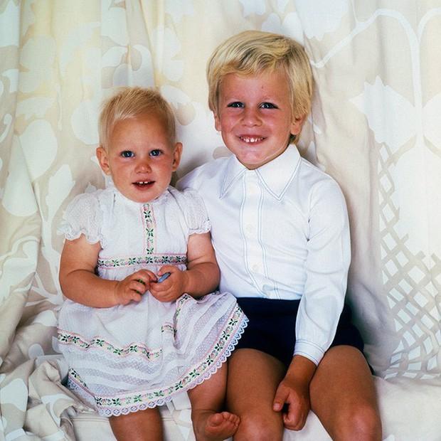 Ngược dòng thời gian để ngắm nhìn vẻ xinh xắn đáng yêu của các tiểu công chúa, tiểu hoàng tử Hoàng gia Anh ở tuổi lên 5 - Ảnh 11.