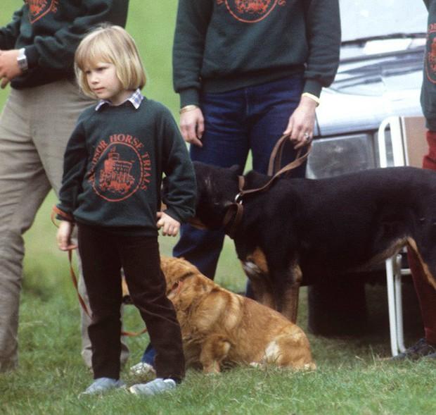 Ngược dòng thời gian để ngắm nhìn vẻ xinh xắn đáng yêu của các tiểu công chúa, tiểu hoàng tử Hoàng gia Anh ở tuổi lên 5 - Ảnh 12.