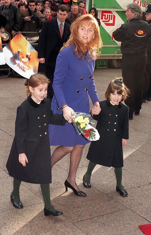 Ngược dòng thời gian để ngắm nhìn vẻ xinh xắn đáng yêu của các tiểu công chúa, tiểu hoàng tử Hoàng gia Anh ở tuổi lên 5 - Ảnh 16.