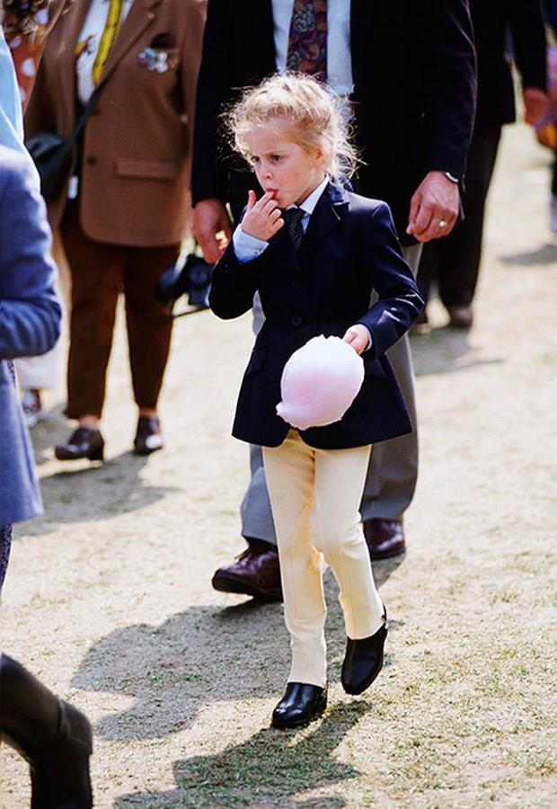 Ngược dòng thời gian để ngắm nhìn vẻ xinh xắn đáng yêu của các tiểu công chúa, tiểu hoàng tử Hoàng gia Anh ở tuổi lên 5 - Ảnh 9.