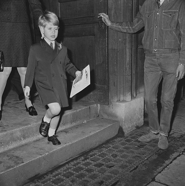Ngược dòng thời gian để ngắm nhìn vẻ xinh xắn đáng yêu của các tiểu công chúa, tiểu hoàng tử Hoàng gia Anh ở tuổi lên 5 - Ảnh 10.