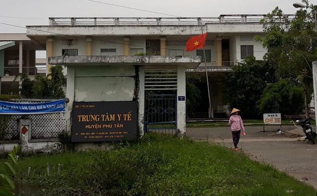 Miền Tây: Trung tâm Y tế bị thanh niên người Trung Quốc gây rối, nhiều người hoảng sợ - Ảnh 1.