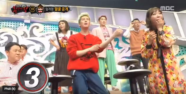 Dính bê bối tình dục, nam Idol bị... che mặt khi xuất hiện trên show thực tế - Ảnh 3.